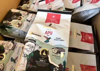 Foto Kaffee APU Café Colombia produziert im Ursprungsland zu Gunsten fairer Wertschöpfung.